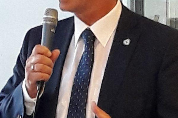Burgemeester Bort Koelewijn zal op zondag 27 januari bij de vrijzinnigen voorgaan